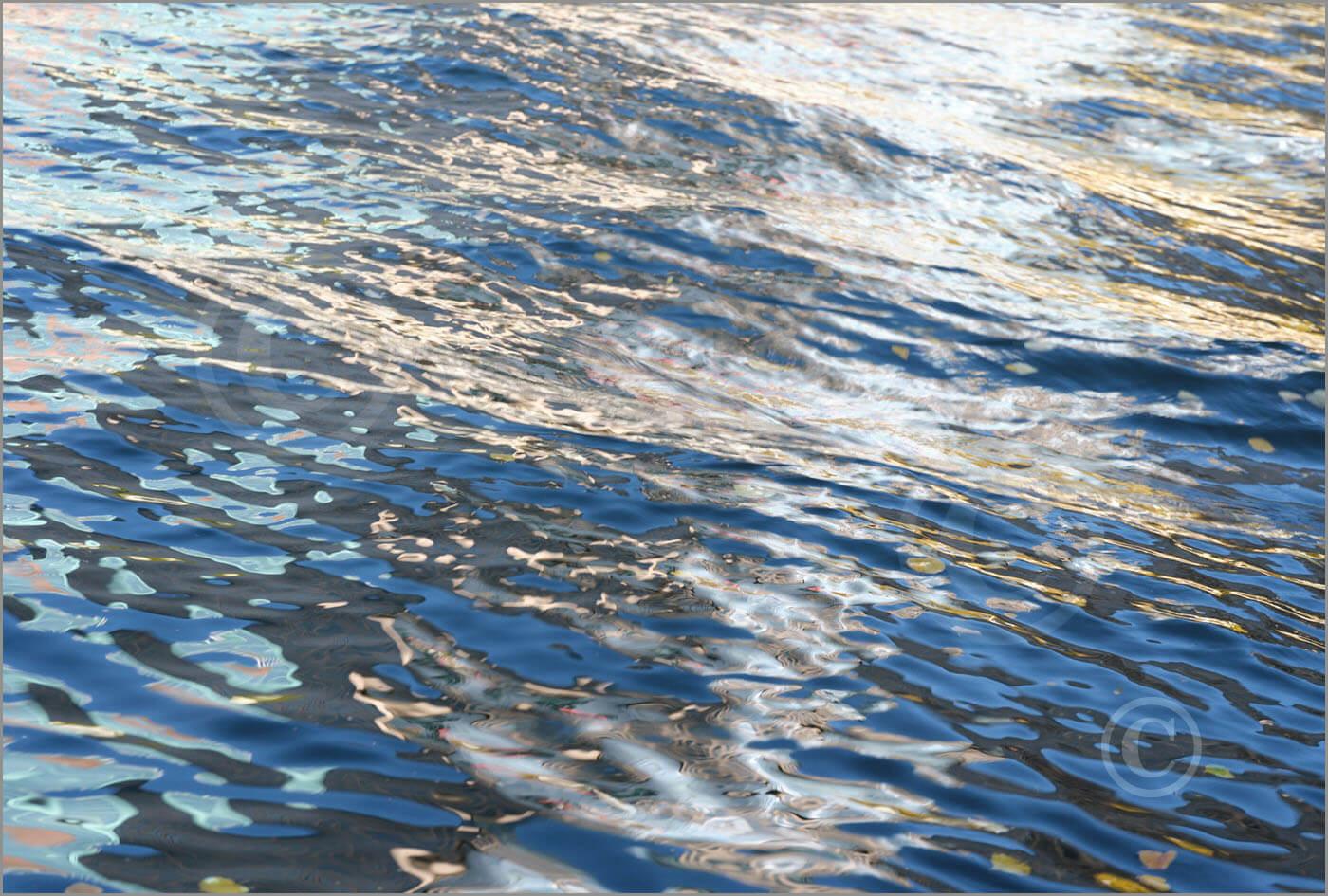 Water_F3359_XL
